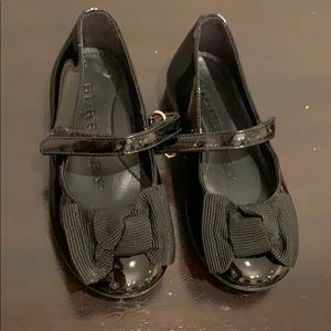 Burberry patent leather bow Mary Janes size 24 NEW